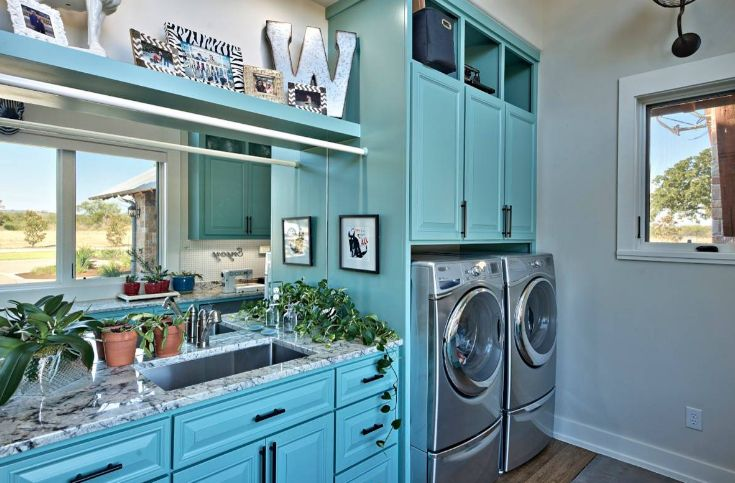 Pizzazz laundry room