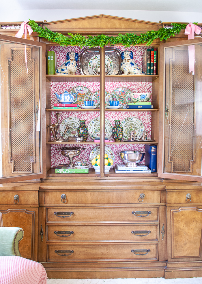 china cabinet Place Heavy Items On The Bottom