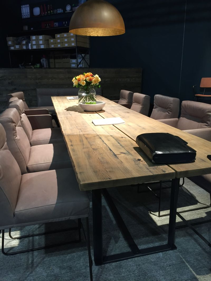 Recycled wood for dining table