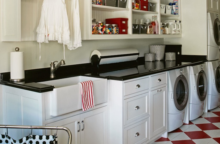 Retro laundry room design