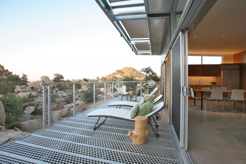 Rock Reach House outdoor lounge