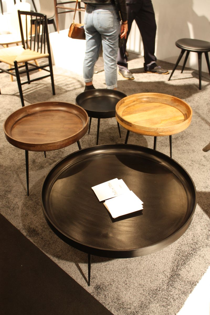 Round coffee tables grouping
