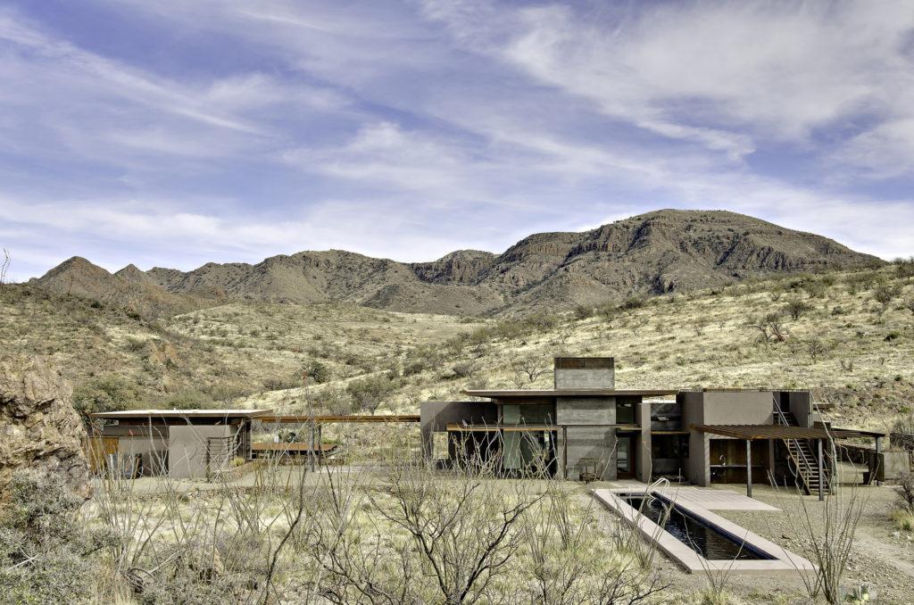 San Cayetano Mountain Residence