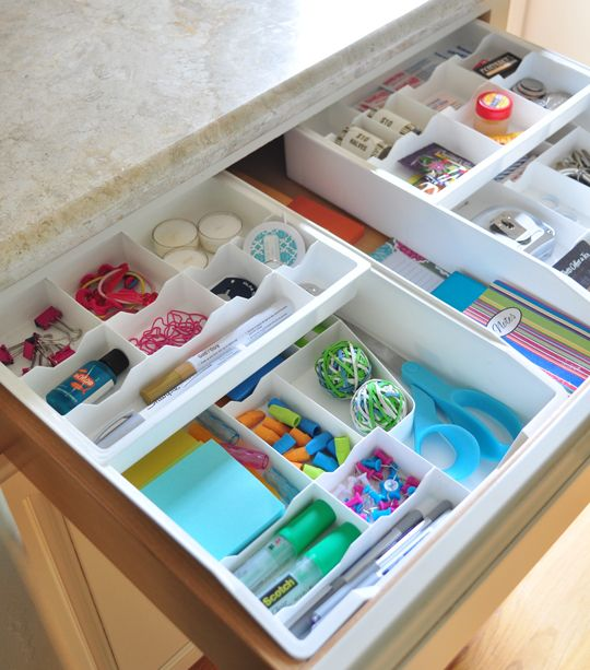 Small containers for drawers