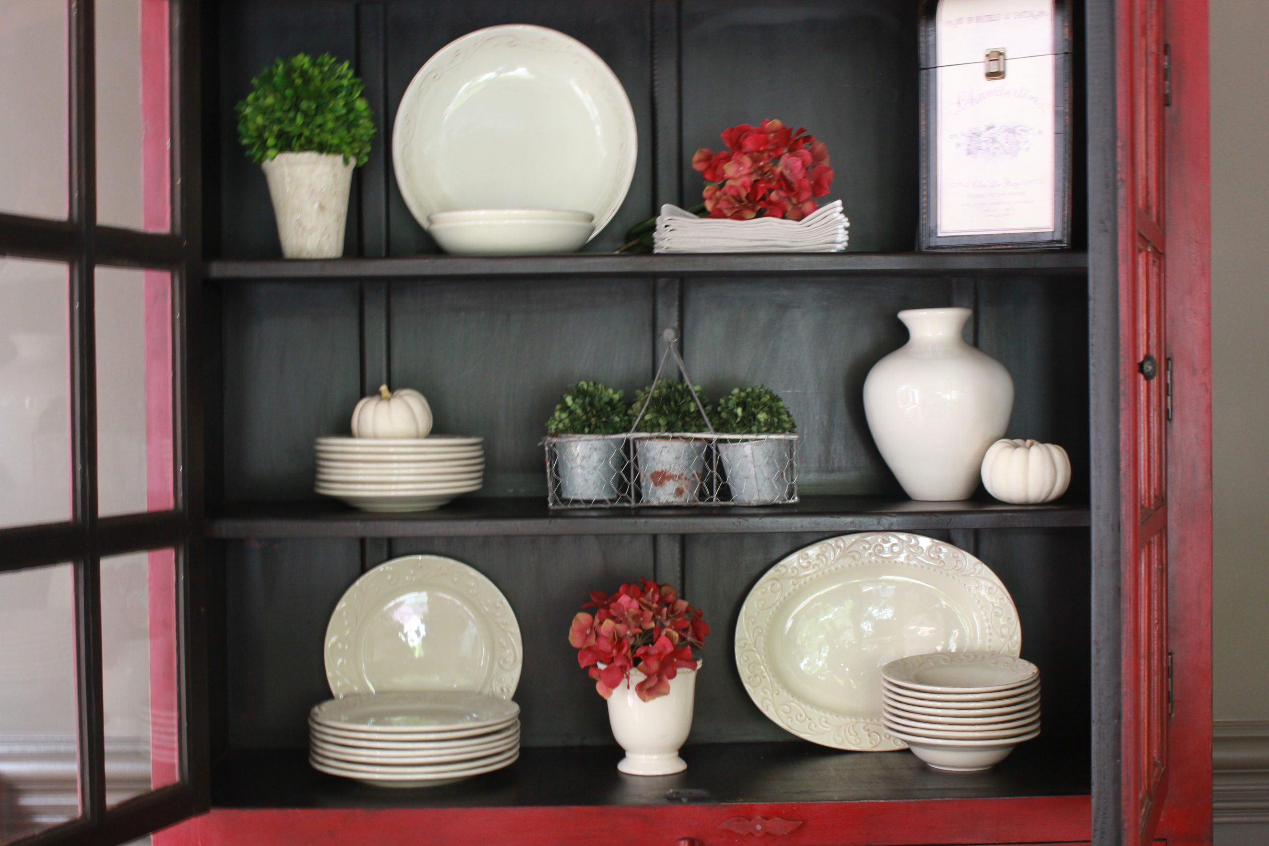 china cabinet Stand Your Plates Upright