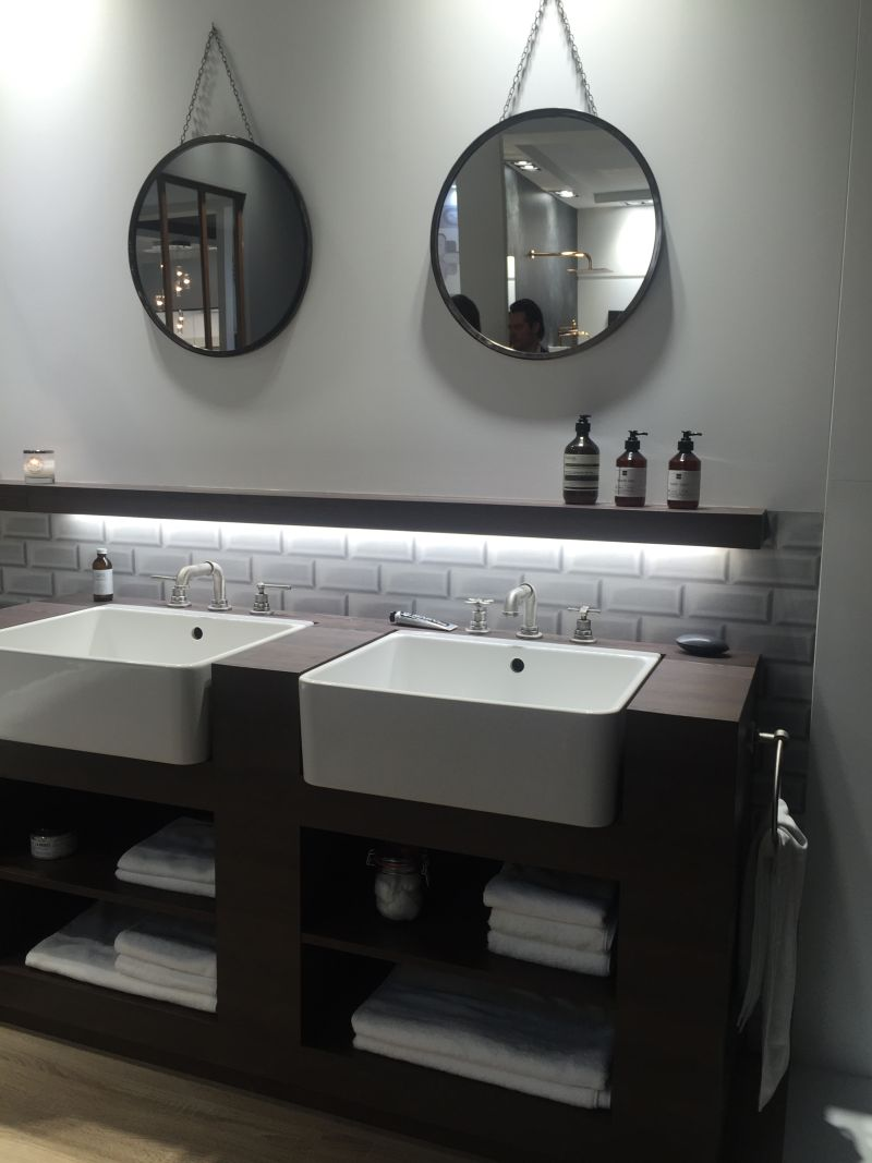Subway tiles and bathroom storage for towels