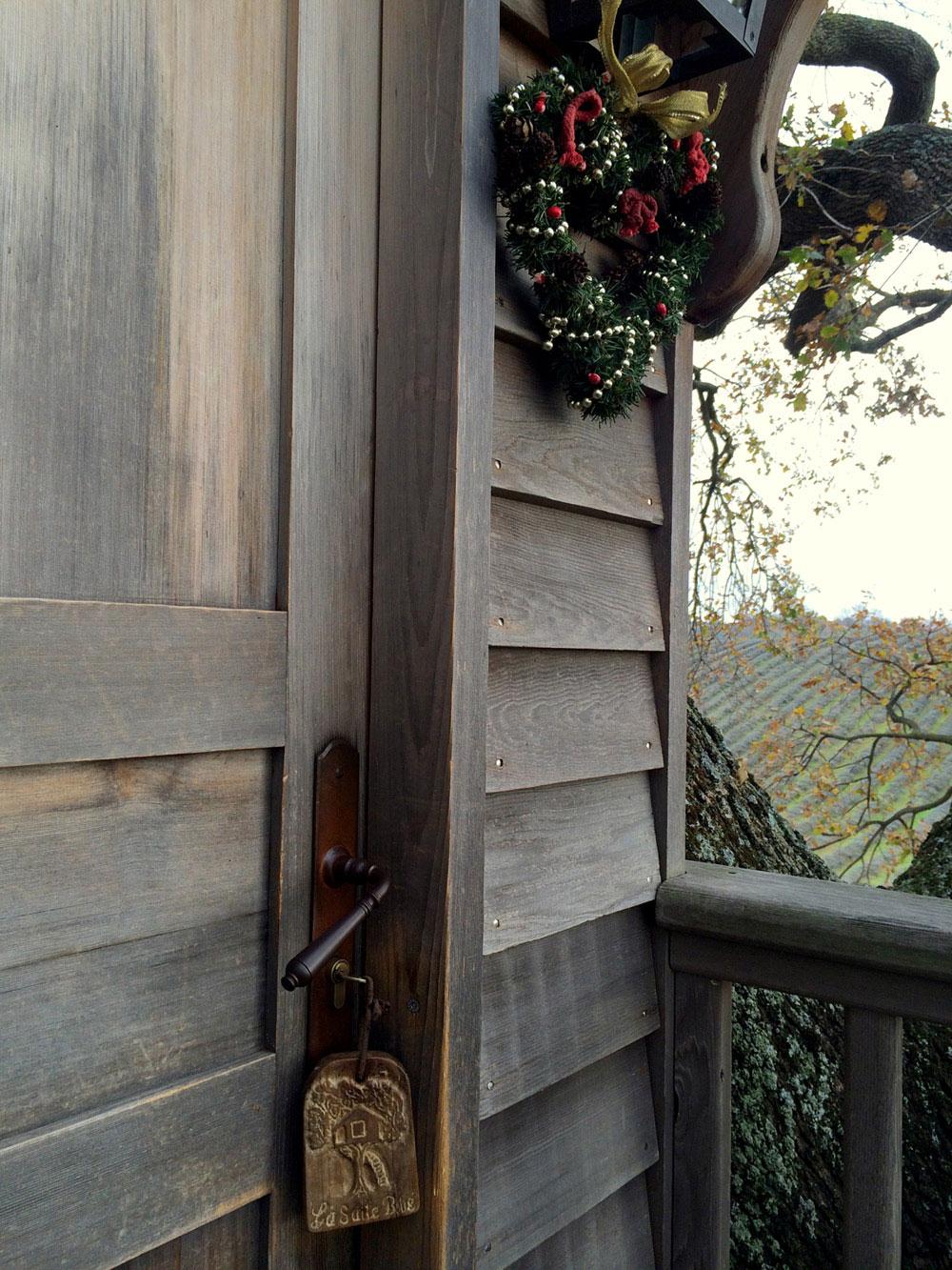 Suite Blue treehouse front door