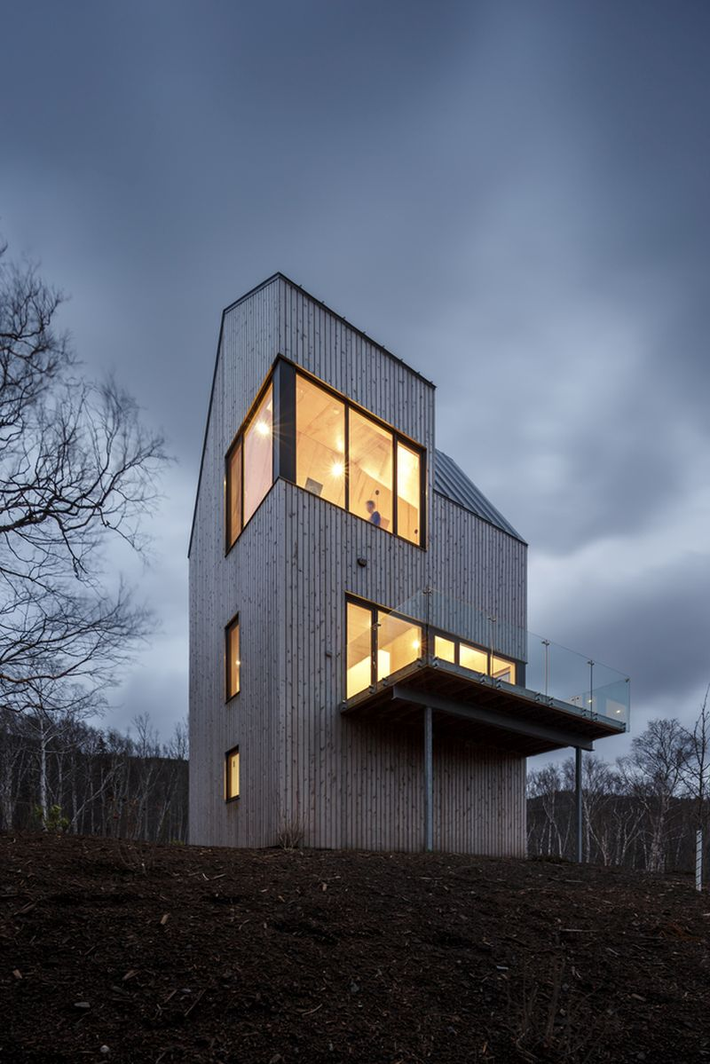 Tower cabin in Canada second viewing platform