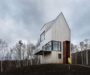 Tower Cabin Makes The Most Of The Harsh Canadian Landscape