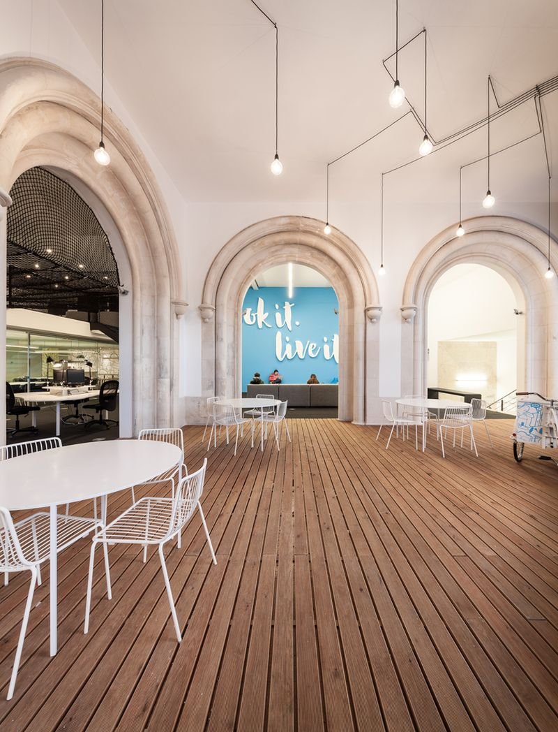 Playful Headquarters Adapts To The Needs Of A Start-up