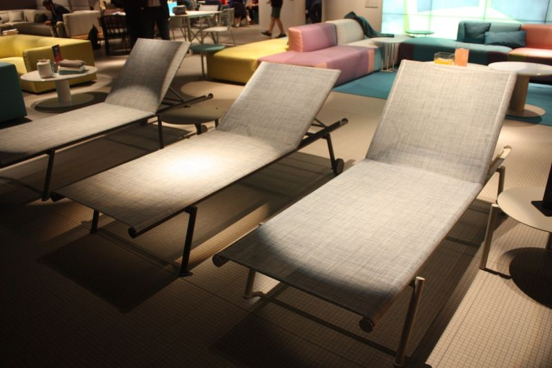 For A More Utilitarian Lounge, This Versatile Model From Varaschin Is The  Perfect Poolside Lounge