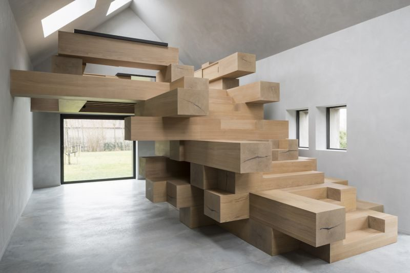 Old Barn Becomes A Modern Office After Revealing Its Potential