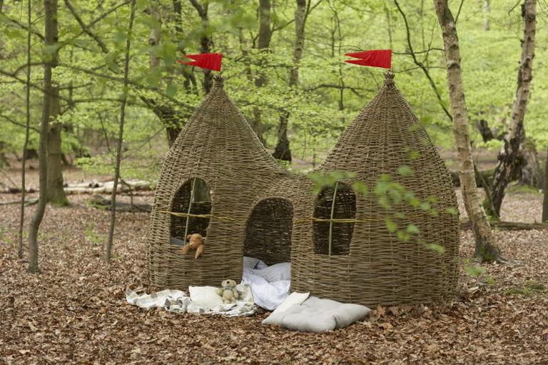 Woven kids playhouse