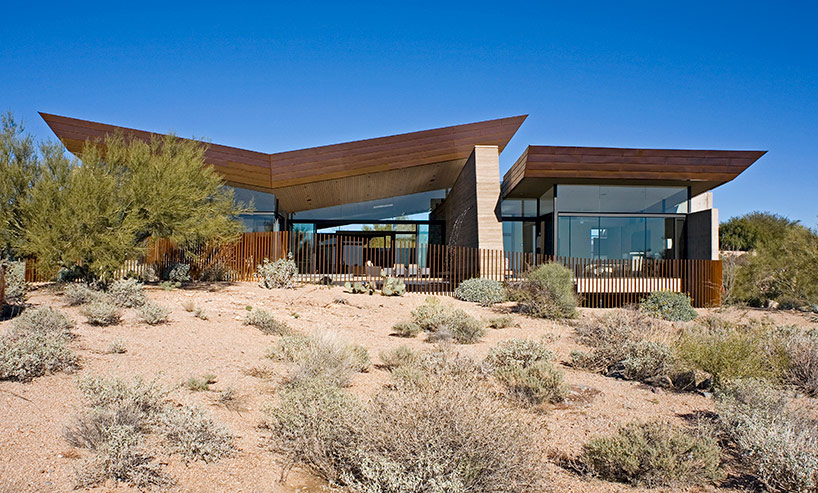kendle design collaborative casts the desert wing house front
