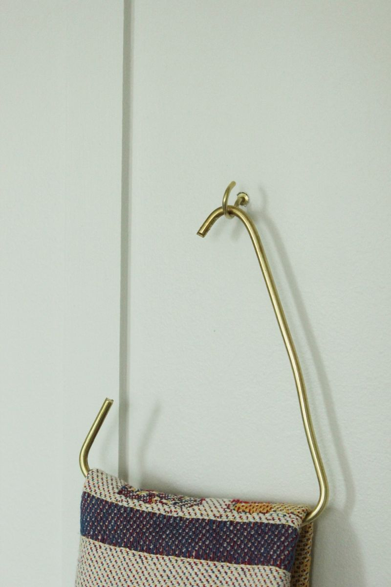 triangle hand towel holder