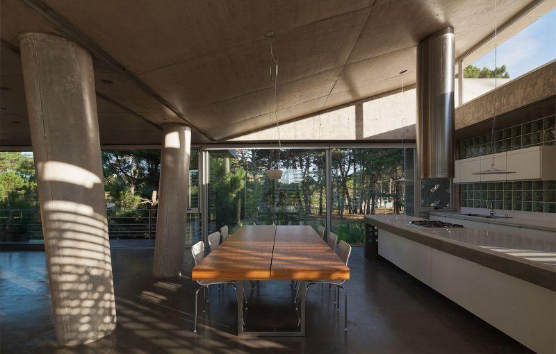 Alamos House dining area
