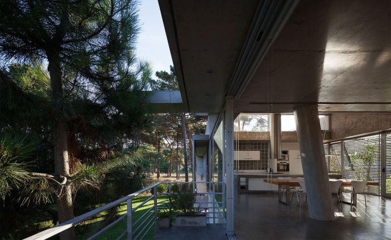 Alamos House indoor-outdoor