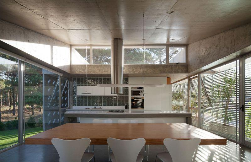 Alamos House kitchen