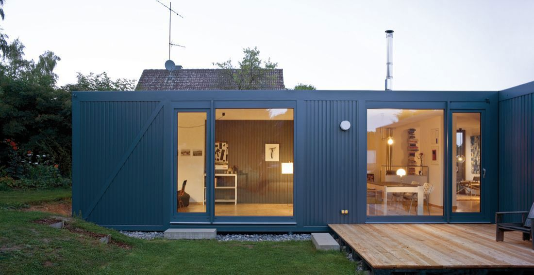 Beautiful contaner home made from containers
