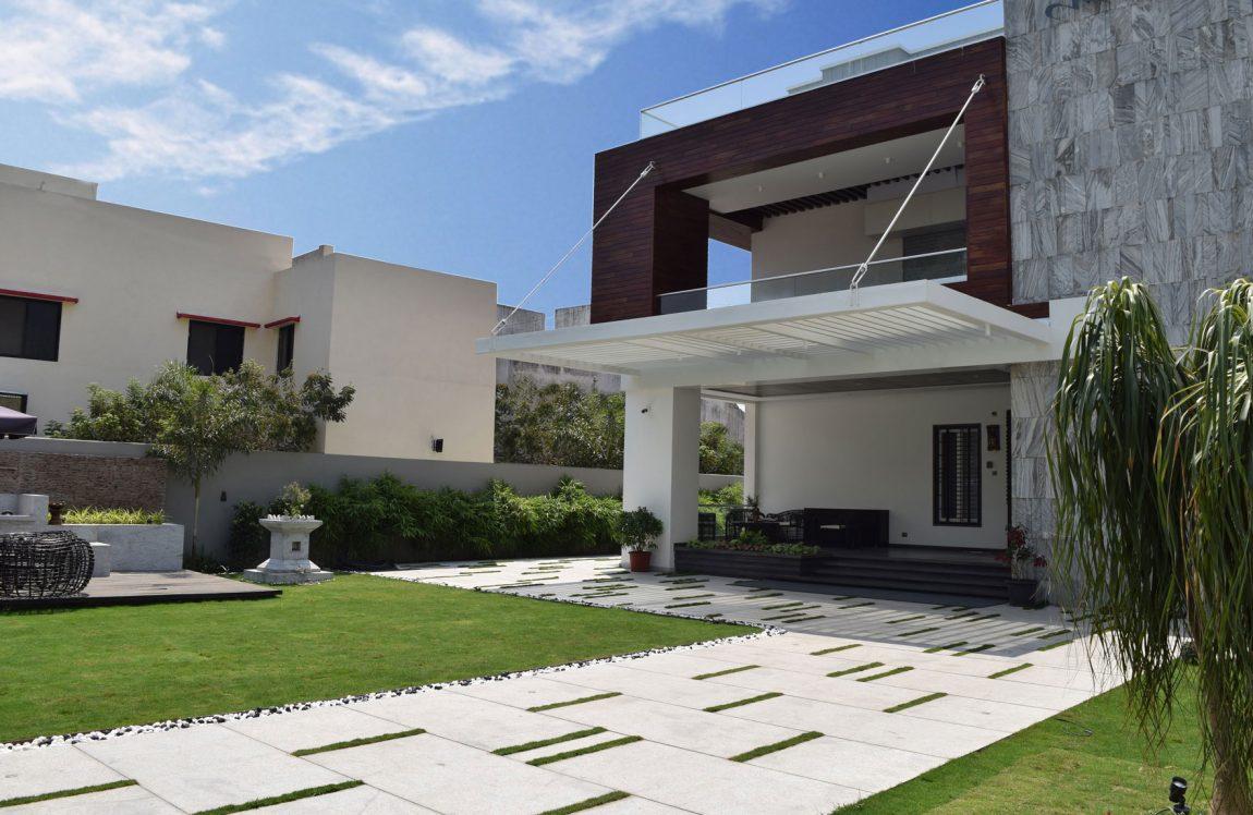 Contemporary Backyard backyard designs that embrace the outdoor beauty