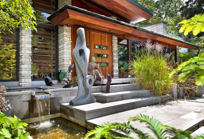 Cool entrance for a fengshui tip
