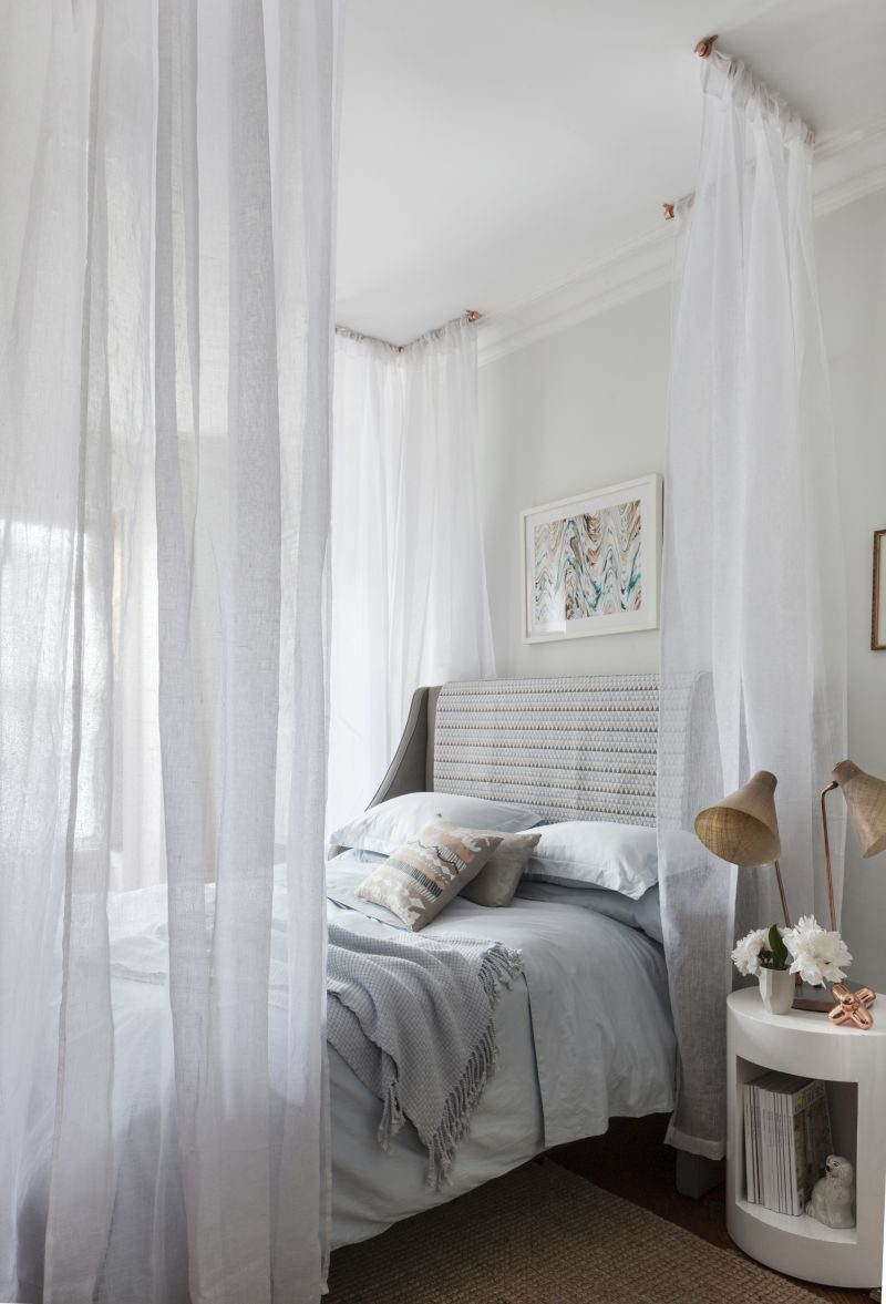 25 DIY Canopy Beds to Make You Feel Like You're On Safari