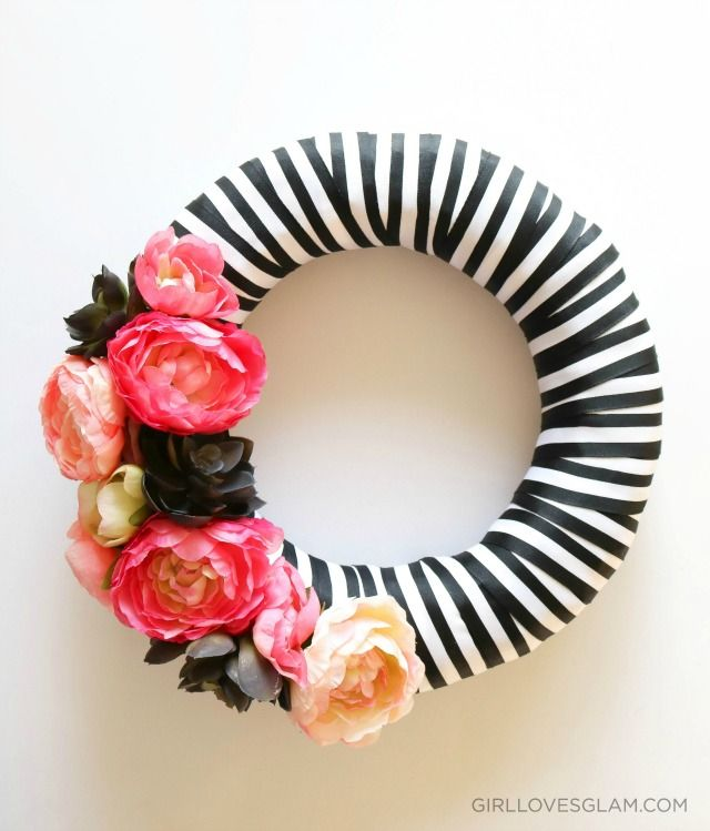 DIY black white wreath