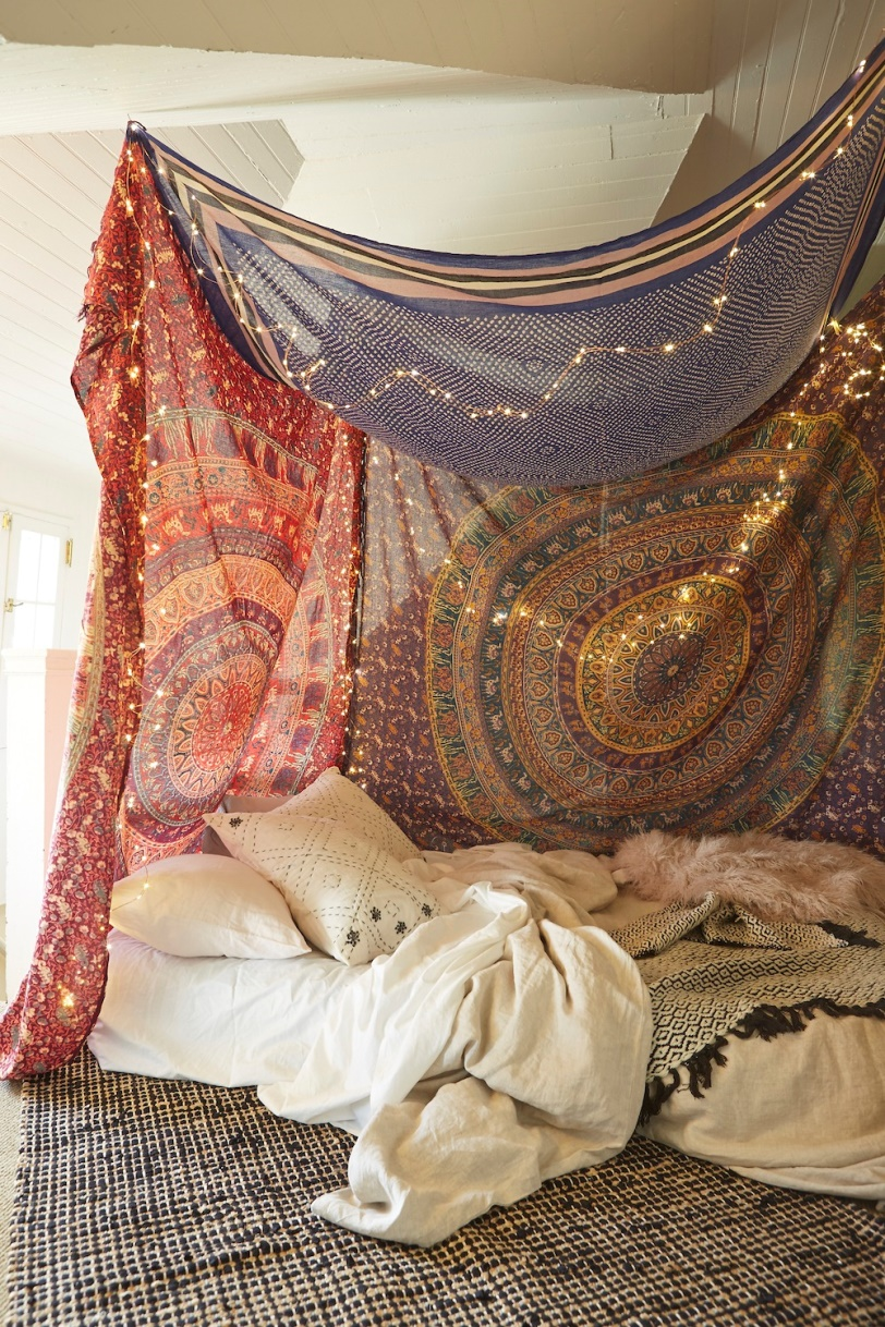 10 Diy Canopy Beds To Make You Feel Like You Re On Safari