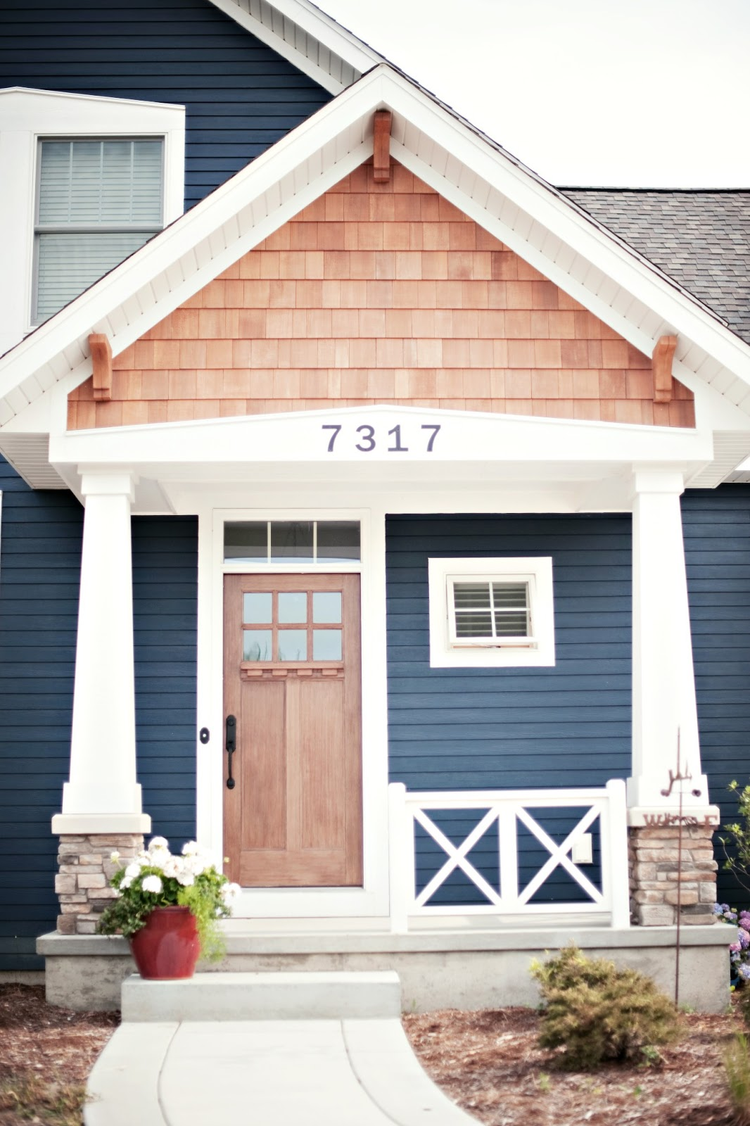 dark navy house - Exterior House Colors