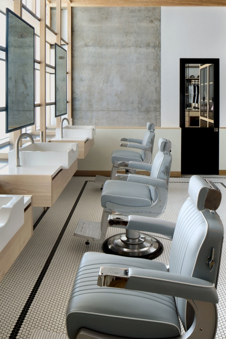 Dubai Akin Barber Shop Leather chairs
