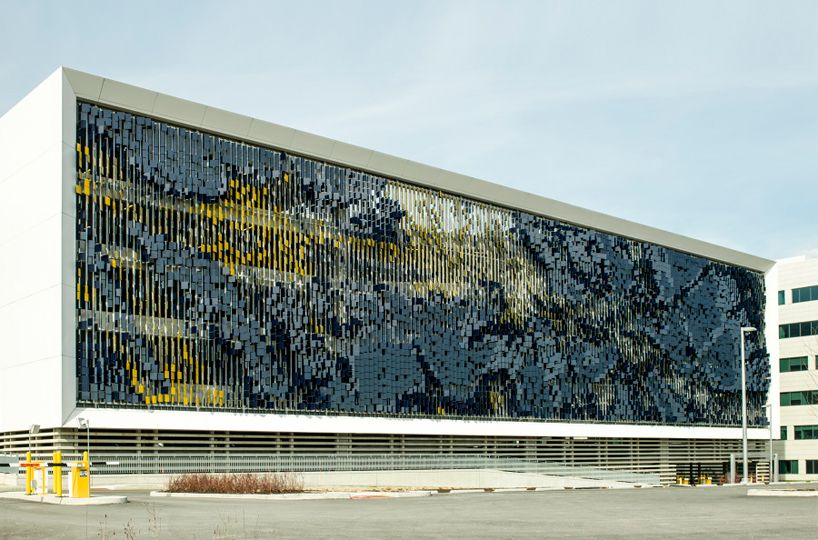 Dynamic facade Eskenazi Hospital in Indianapolis Design