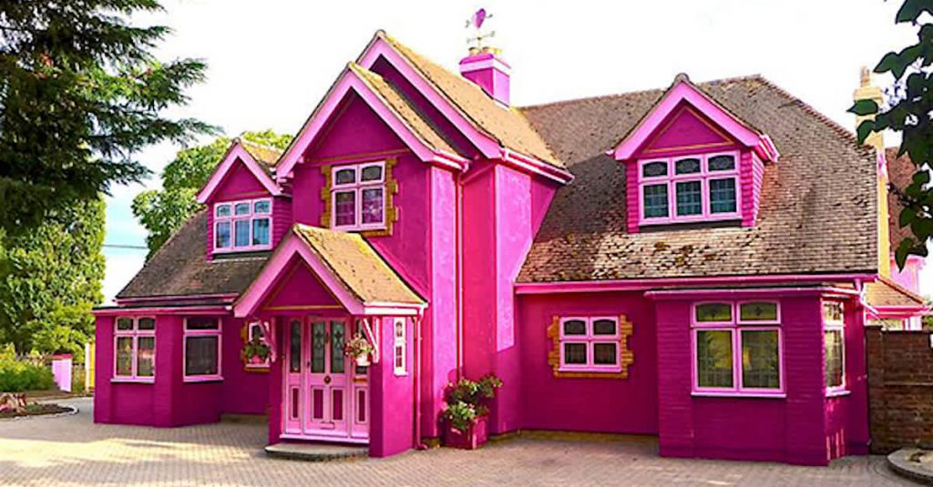 Fluorescent Pink House bold colors home exterior