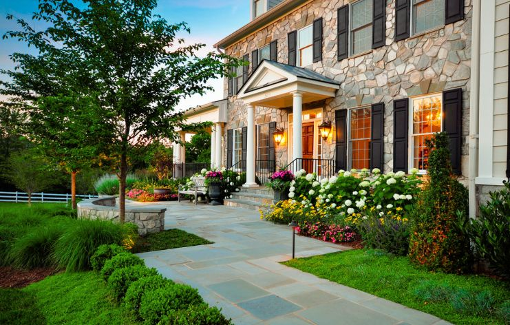 Formal frontyard space design