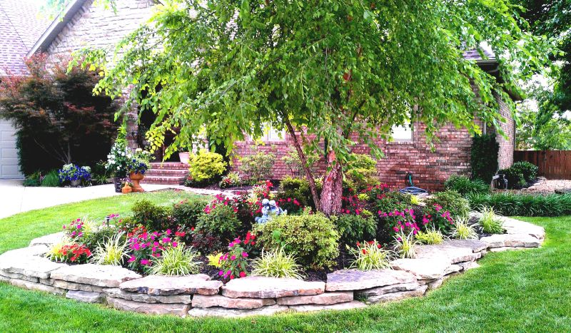 Roof Design Ideas: Home Landscaping Ideas To Inspire Your Own Curbside Appeal