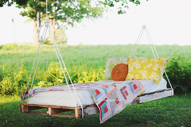 Hanging swing bed