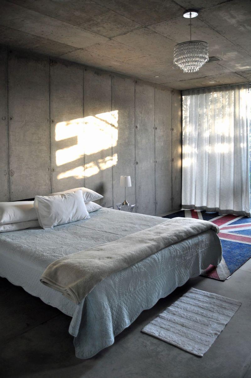 House Gauche bedroom