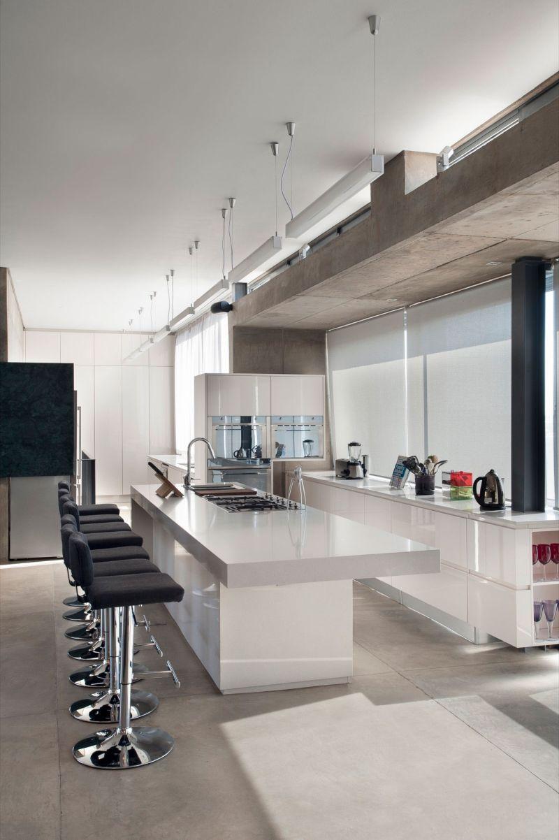 House Gauche kitchen bar