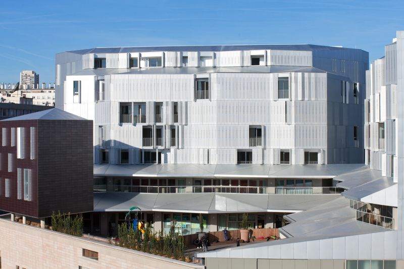 M9-C Building with a dynamic facade view