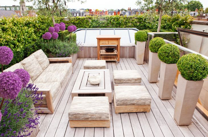 Match the planters to the furniture or other design elements that define your garden or terrace