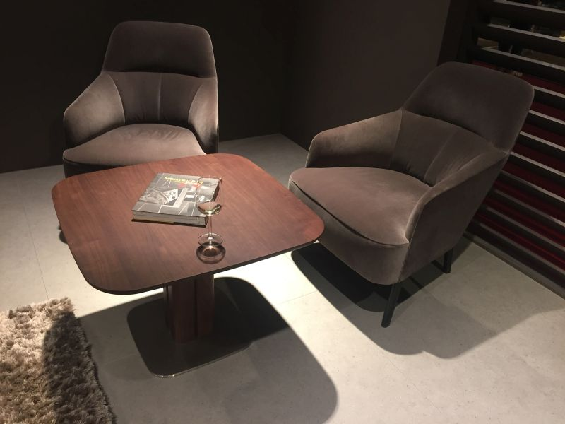 Modern coffee seating with a brown coffee table
