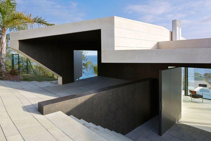 Modern residence in Catalunya modern architecture