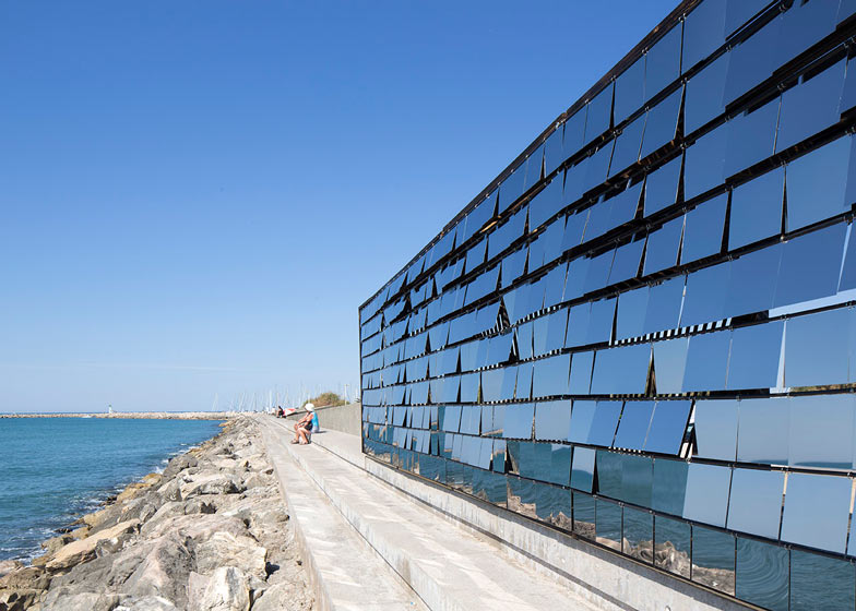 Nas Architecture Breath box seaside pavilion