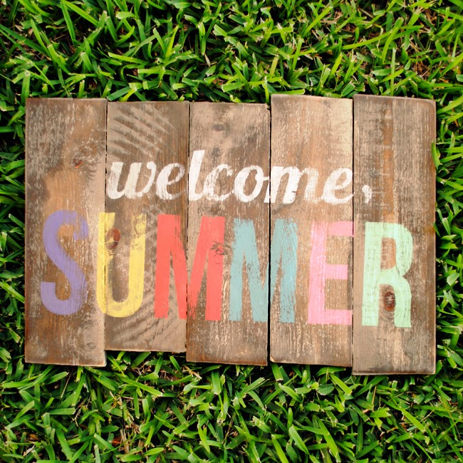 Pallet patio summer sign