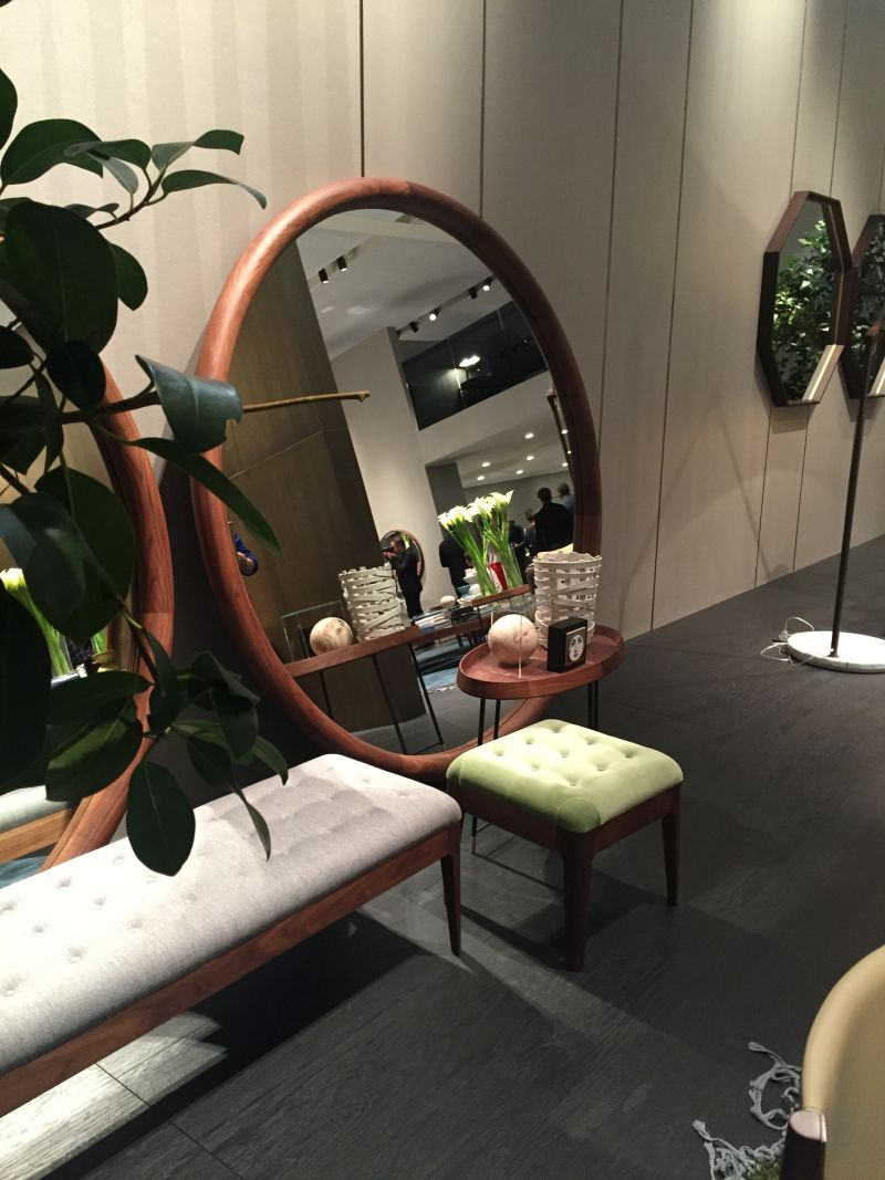 Round Brown Mirror Furniture