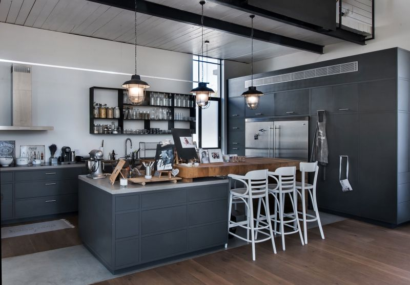 Savion Residence kitchen island