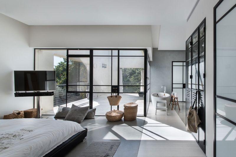 Savion Residence master bedroom