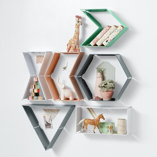 Shape shifter wall shelves