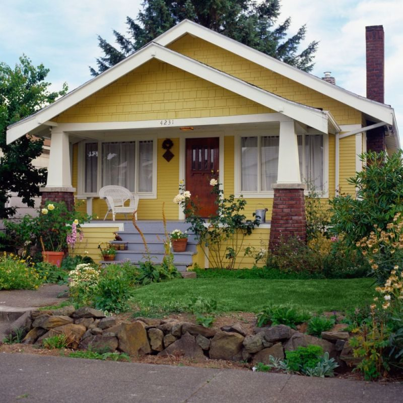 15 Bold Colors to Paint Your Home's Exterior