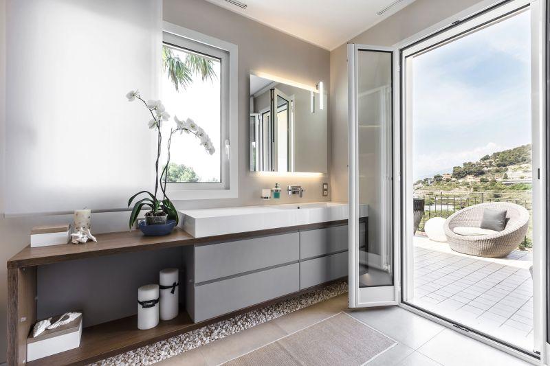 Villa in Bordighera master bathroom terrace