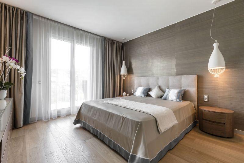 Villa in Bordighera master bedroom curtains